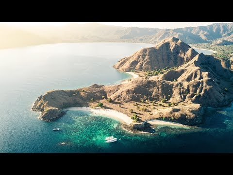 Sailing from Flores to Lombok: The Komodo National Park (Dabeysians 2.0 - Part Two)