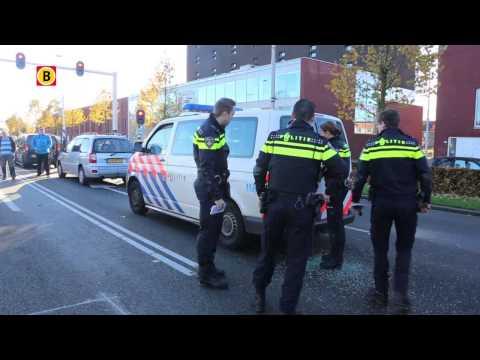 Man draait door en vernielt politiebusje