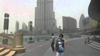 View Burj Khalifa 828m from near Dubai Mall