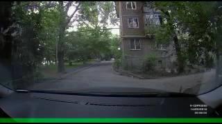 Кража видеорегистратора в Алматы. Май 2016(Кража видео-регистратора Neoline X-cop 9500s из автомобиля нашего клиента. Запечатленный на видео вор-недоумок..., 2016-05-17T09:32:17.000Z)