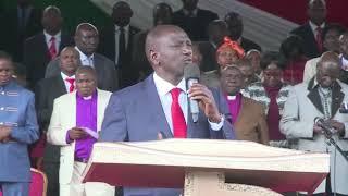 DP Ruto praying for President Uhuru Kenyatta
