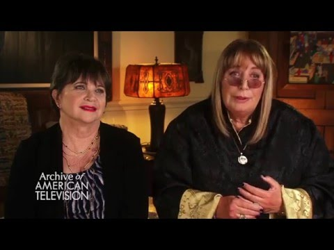 "Cindy Williams & Penny Marshall on the ""Laverne & Shirley"" theme song - EMMYTVLEGENDS.ORG"