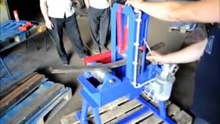 Демонстрация работы трубогиба(Трубогиб серии TGEM предназначен для сгибания по плавному радиусу кривизны труб различного сечения, прутков..., 2012-12-10T06:52:46.000Z)