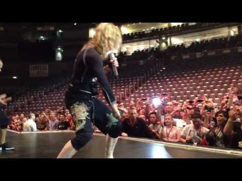 "Madonna ""I'm Addicted"" MDNA Tour (Rehearsal in Köln) HD"