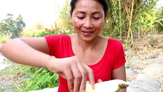 Survival skills: Finding meet natural durian fruit for eat - Natural durian eating delicious #54