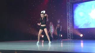 Jojo Siwa performs I Can Make You Dance at KAR Live!