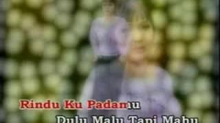 Video Diam Diam Jatuh Cinta download MP3, 3GP, MP4, WEBM, AVI, FLV Desember 2017