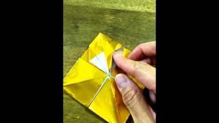 折り紙で金メダルを作りました。i Made a Gold Medal In Origami.