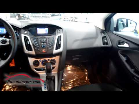 2014 FORD FOCUS SE with PARKING SENSORS