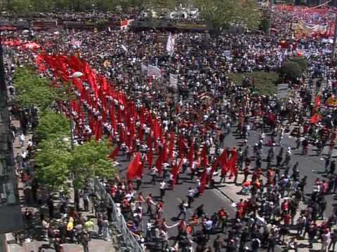 Thousands mark May Day at iconic Istanbul square