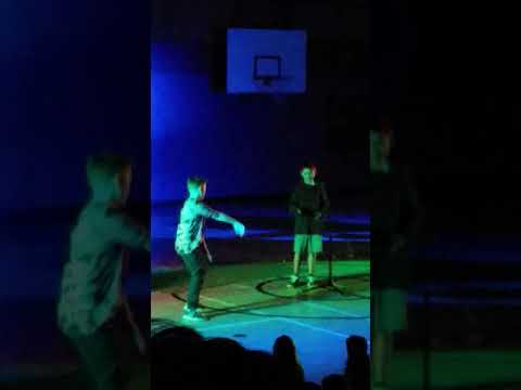 Kid sings 'I'm Mining' in Talent show!