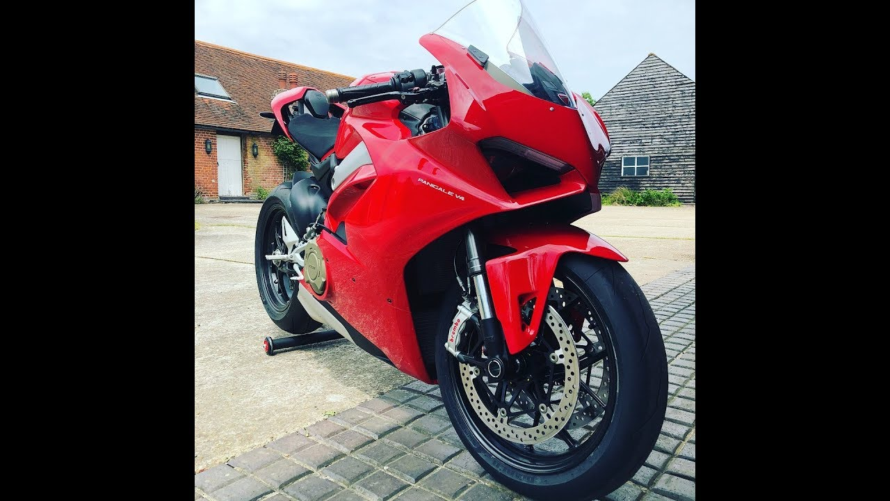 First vlog of 2018 on the new Panigale V4
