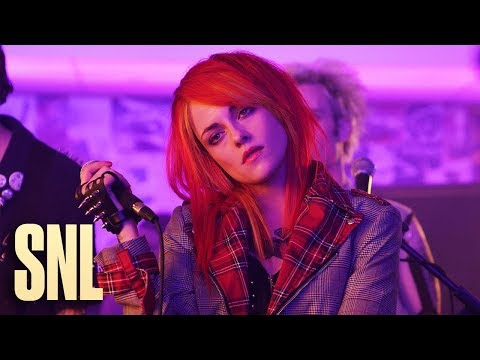 Jake Dill - Kristen Stewart Parodies Paramore's Hayley Williams on SNL