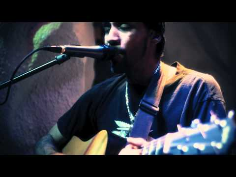 "Daimeon Mosley ""I don't Mind"" Live at Le Chalet"