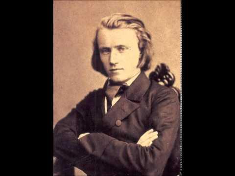 Johannes Brahms – Hungarian Dances