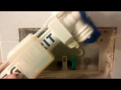 Aggiustare lo scarico del bagno che perde acqua puliamo - Scarico acqua bagno ...