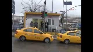 Sultangazi'de Taksi durağına saldırı görüntüleri
