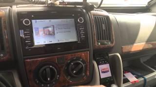 Zenec navigace - stream internetového rádia včetně textů (názvů) písniček i stanice