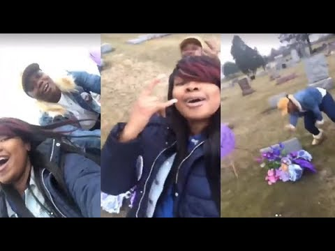 #RBT United Hair Hats of Chicago Dancing At The #gravesite Of #KennekaJenkins! Our Queens Are DONE!