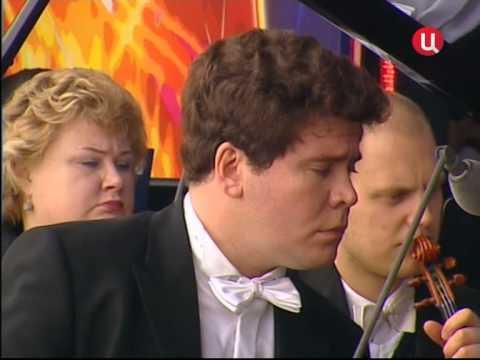 Денис Мацуев и Валерий Гергиев. Звучит Концерт №2 для фортепиано с оркестром (С. В. Рахманинов).
