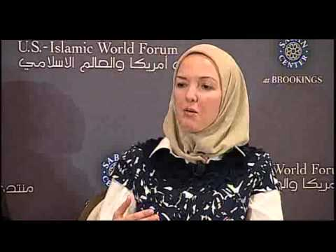 2011 Roundtable: The Challenges and Opportunities of the American Muslim Community (Arabic)