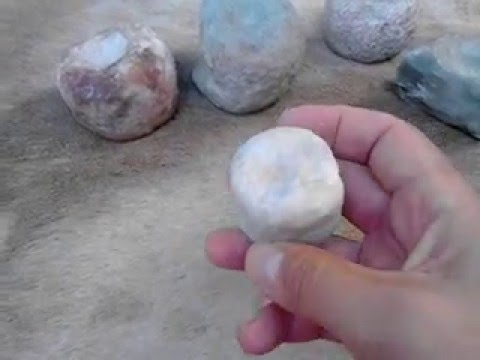 ARQUEOLOGIA URUGUAY: PIEDRAS con hoyuelos - Nutting stones