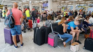 Thomas Cook collapse leaves holidaymakers stranded