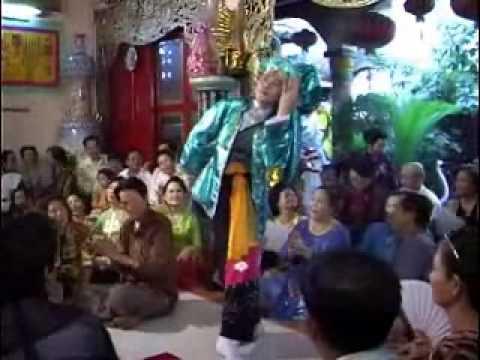Hoài Linh hầu thánh, mừng diễn viên Thiên Bảo trình đồng Tứ Phủ phần 5