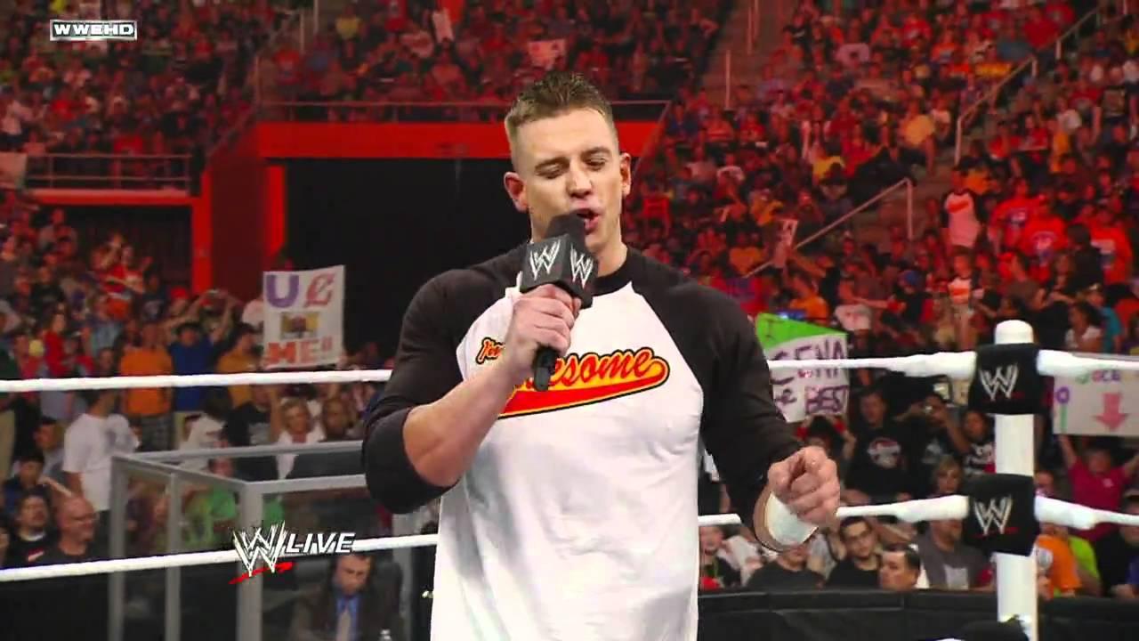 Raw: John Cena vs. Alex Riley - YouTube