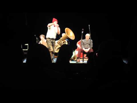 40 Cent im Berliner Ensemble