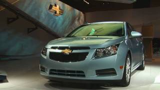 2010 New York: 2011 Chevrolet Cruze