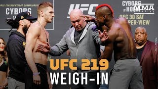 Video UFC 219 Ceremonial Weigh-Ins - MMA Fighting download MP3, 3GP, MP4, WEBM, AVI, FLV November 2018