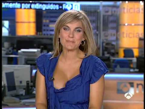 Hot news anchors wardrobe malfunction