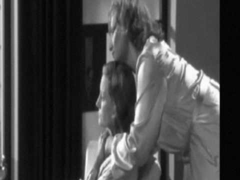 Daphne & Gertrude Lesbian Romance Love Scene