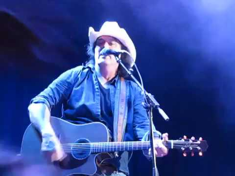 David Lee Murphy- Party Crowd (austin 360 ampitheater)