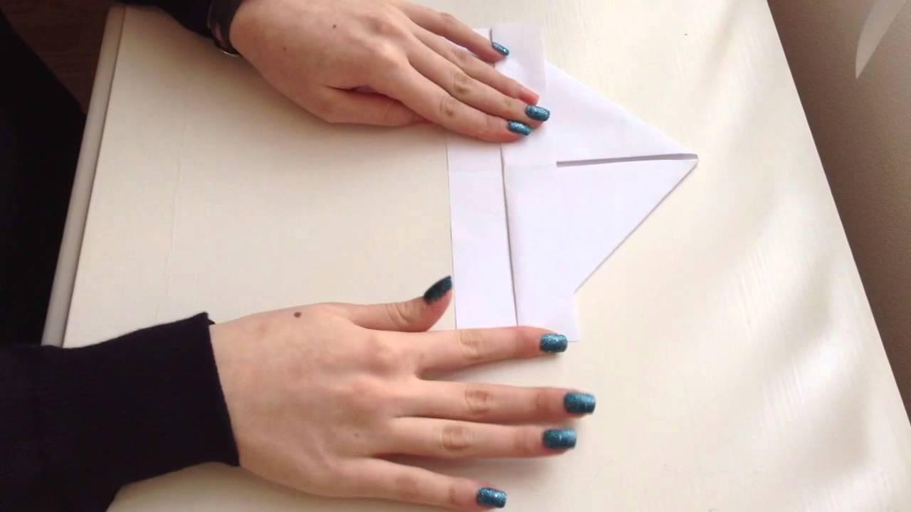 faire un bateau en origami r aliser un bateau en papier. Black Bedroom Furniture Sets. Home Design Ideas