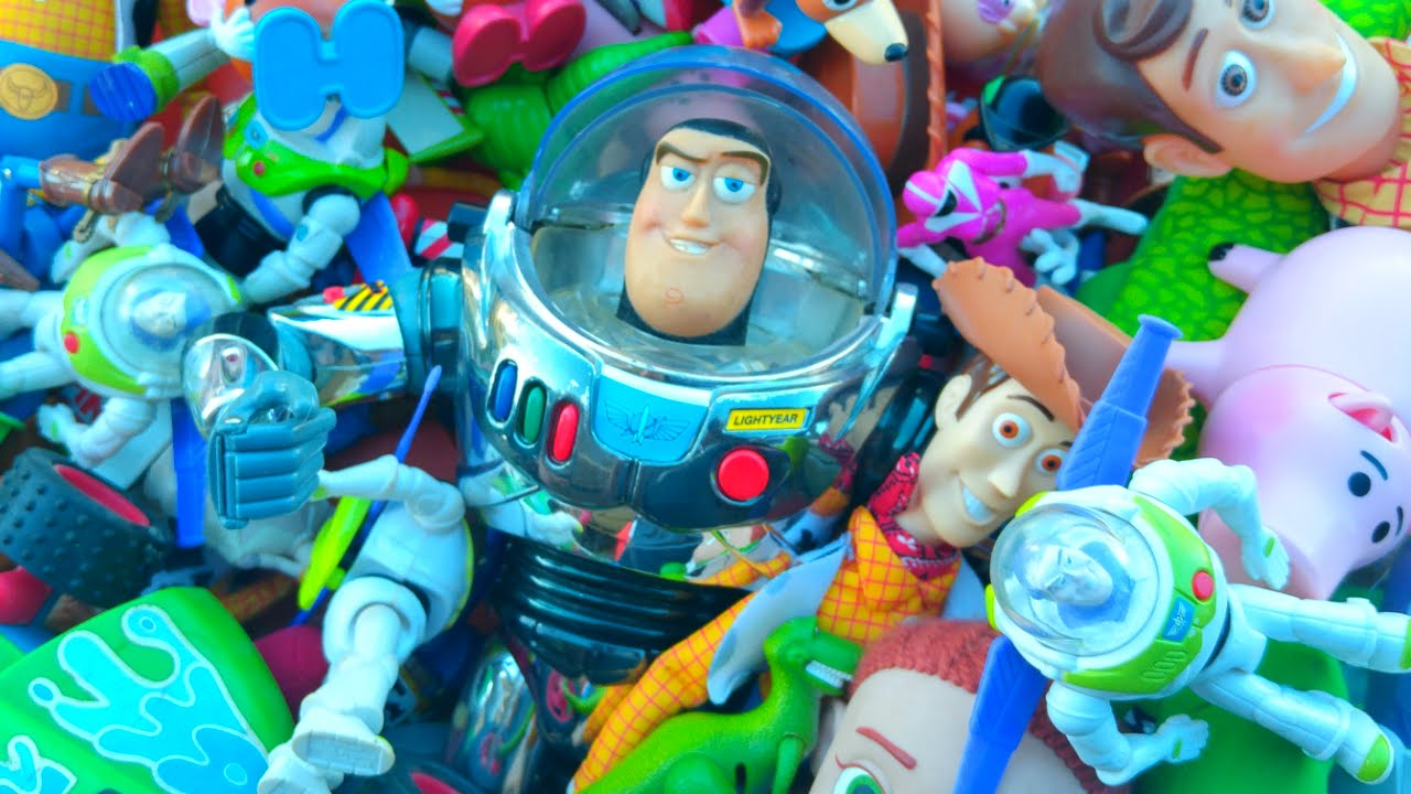 Giant toy story toys collection with buzz lightyear sheriff woody and mcdonalds power rangers - Cochon de toy story ...
