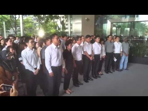 Labour Movement leaders pay their respects to the late Mr Lee Kuan Yew