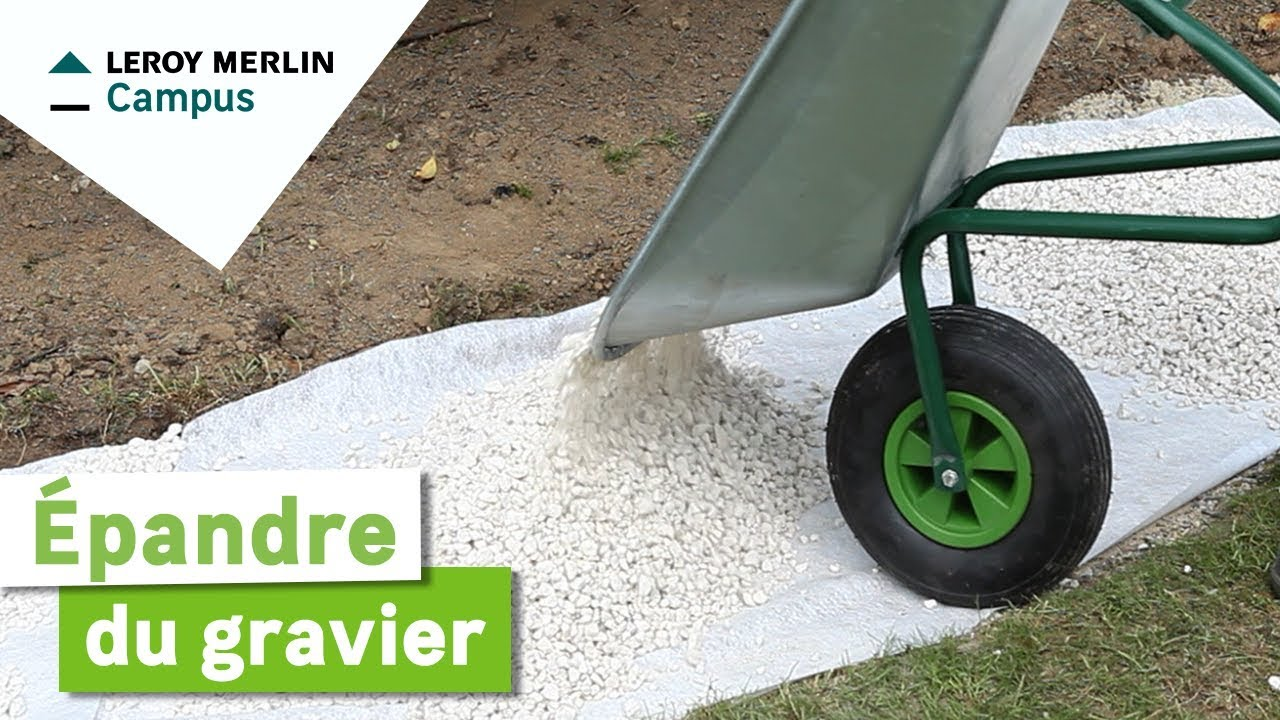 Comment pandre du gravier leroy merlin youtube for Gravier de decoration jardin