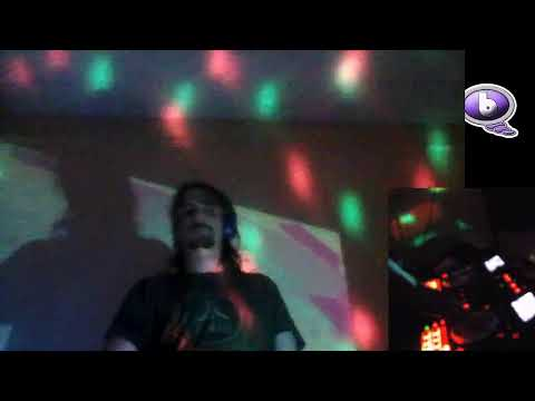 bass house and beats with live DJ