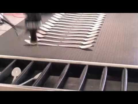 High Speed Industrial Robot OMRON Adept Quattro Handling Plastic Cutlery