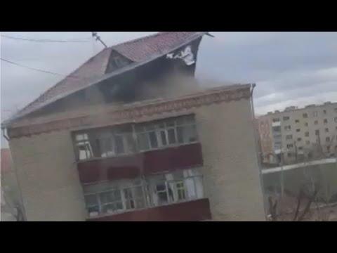 Штормовой ветер в Омске срывал крыши с домов. 7 апреля 2020 года