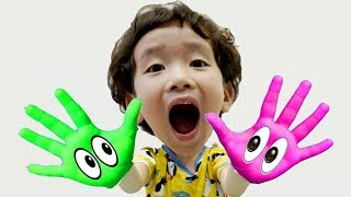 Rua and Mom playing in colored paints, Learn Colors With Nursery Rhymes Song
