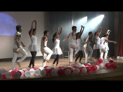 Physical Dance theatre show by SUPVA