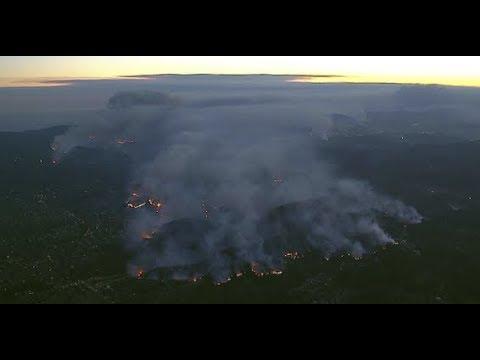 L.A. brush fire: Topanga Canyon residents flee Palisades fire