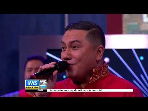 WANITA ciptaan ISMAIL MARZUKI - dinyanyikan RIO SILAEN