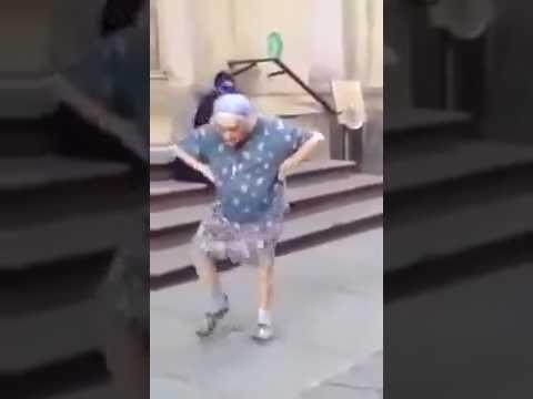 97 летняя бабушка танцует!!!!ПРИКОЛ!!!смотреть всем!!!!