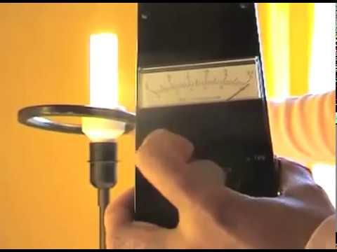 les dangers des ampoules basse consommation youtube. Black Bedroom Furniture Sets. Home Design Ideas