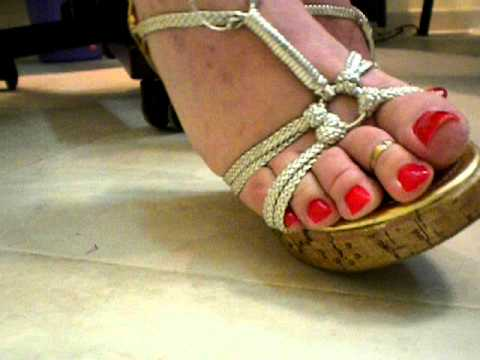 Red toenails on red square - 3 part 7