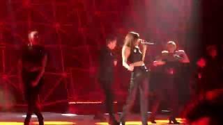 Selena Gomez - Come and get it [remix] (Revival Tour Singapore)